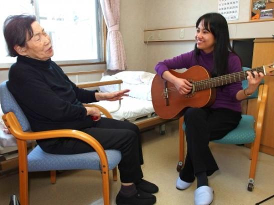 いづみケアセンターでの音楽療法